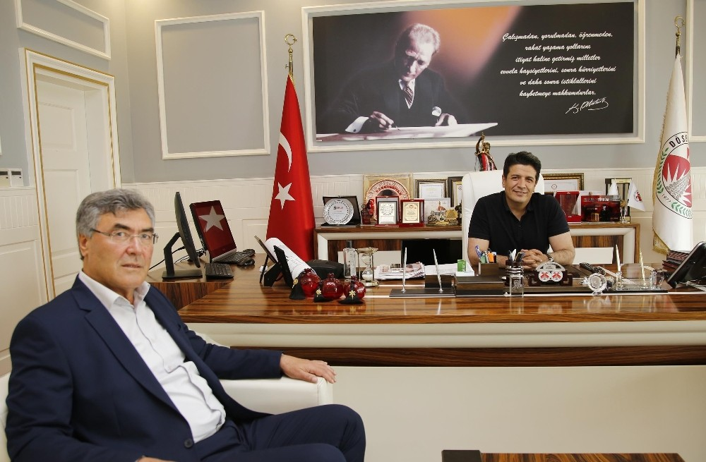 AK PARTİ MECLİS ÜYESİ MEHMET DUMAN CHP'YE KATILDI