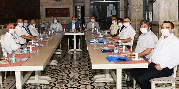 AK Partili isim CHP'li belediye başkanlarıyla bir araya geldi