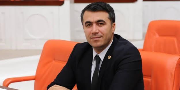 AK Parti'den CHP'li Zeydan Karalar'a sert tepki: Mağduriyet ve dram temalı bir tiyatroyu gündemde tutuyor