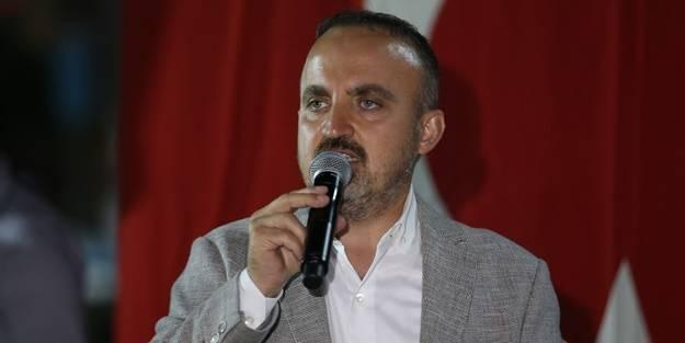 AK Parti'den tepki: 'Bağımsızım' rolü yapmaya çalışan zavallılar