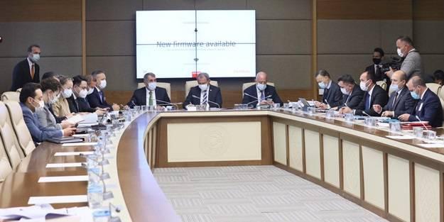AK Partili isim müjdeyi verdi: İhracatçıların sorunu çözülüyor