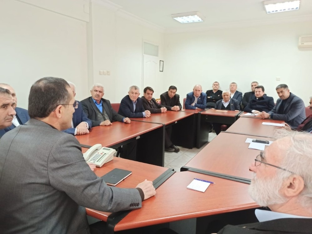 AK Partili meclis üyeleri grup toplantısını yaptı