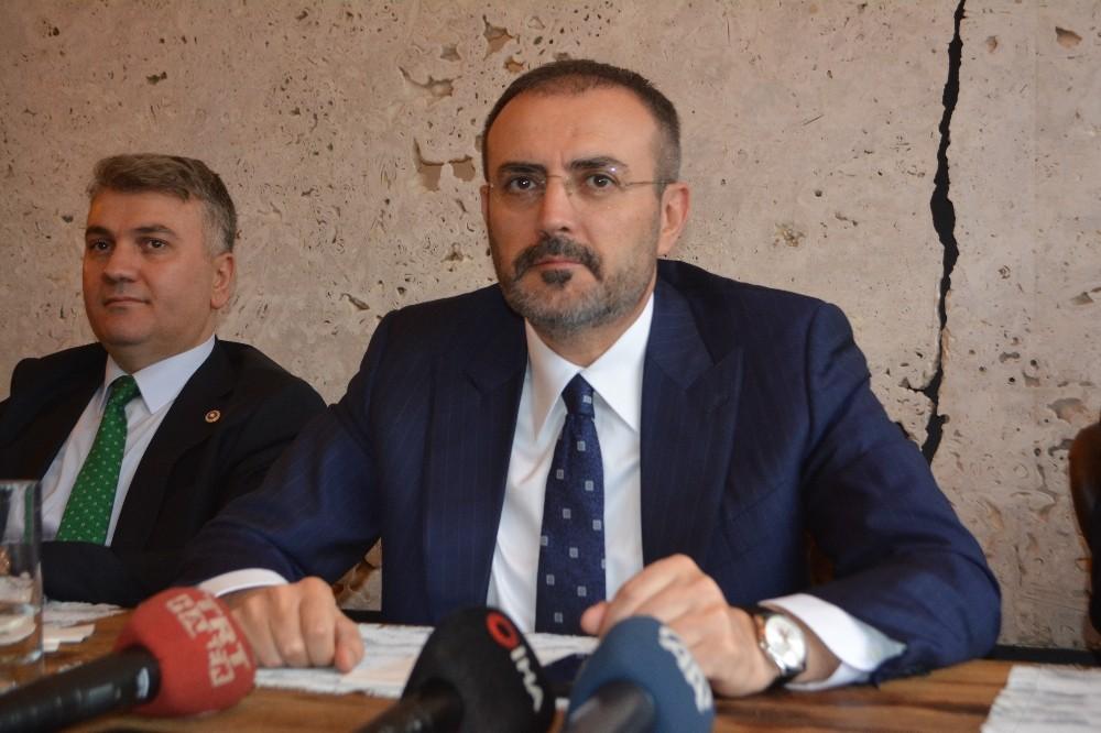 """AK Partili Ünal: """"10 yıllık basın emekçisiyle 10 günlük sosyal medya paylaşımcısı aynı kefeye konulmamalı"""""""