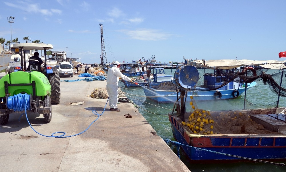 Akdeniz ilçesinde korona virüs ile mücadele kararlılıkla sürüyor