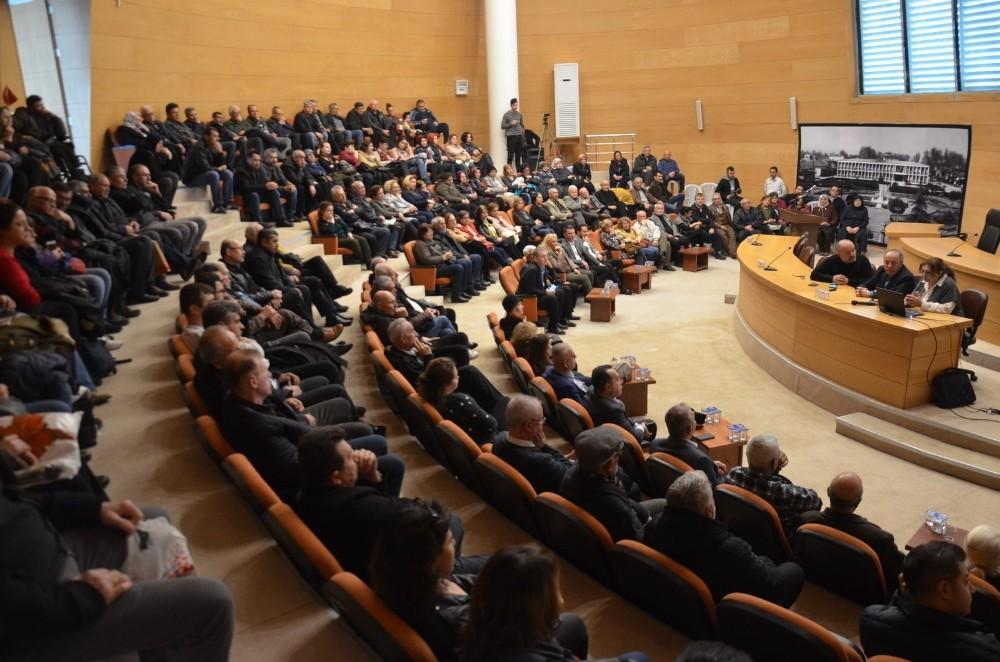 Akhisar Belediyesi deprem uzmanlarını vatandaşla buluşturuyor