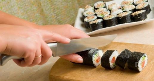 Aklınıza sahip çıkın, çiğ balık yemeyin!