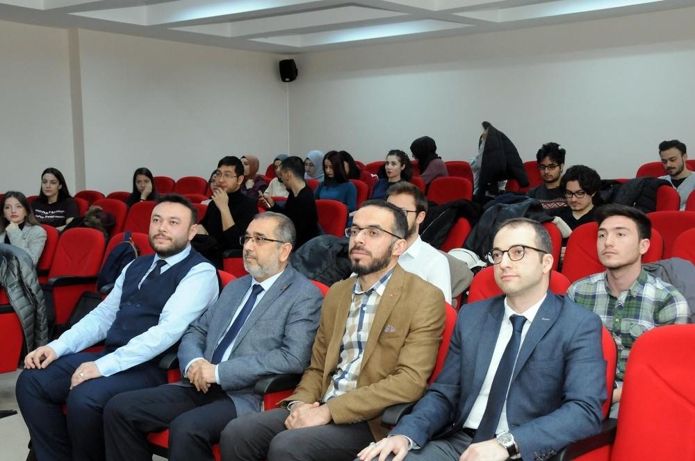 """AKÜ'de, """"Cumhurbaşkanlığı Hükümet Sisteminde Güncel Konular"""" konferansı"""