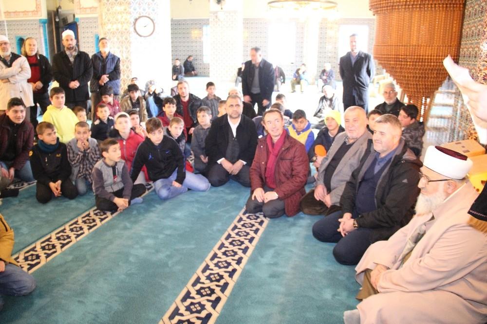 Akyazı'da 'Haydi Çocuklar Camiye' etkinliğine 170 öğrenci katıldı