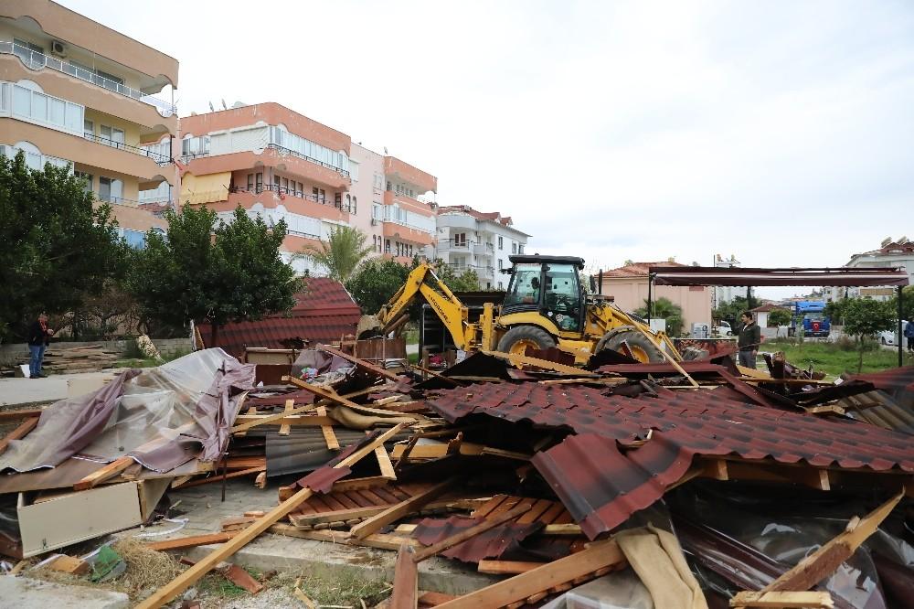 Alanya Belediyesinden kaçak yapılarla mücadele
