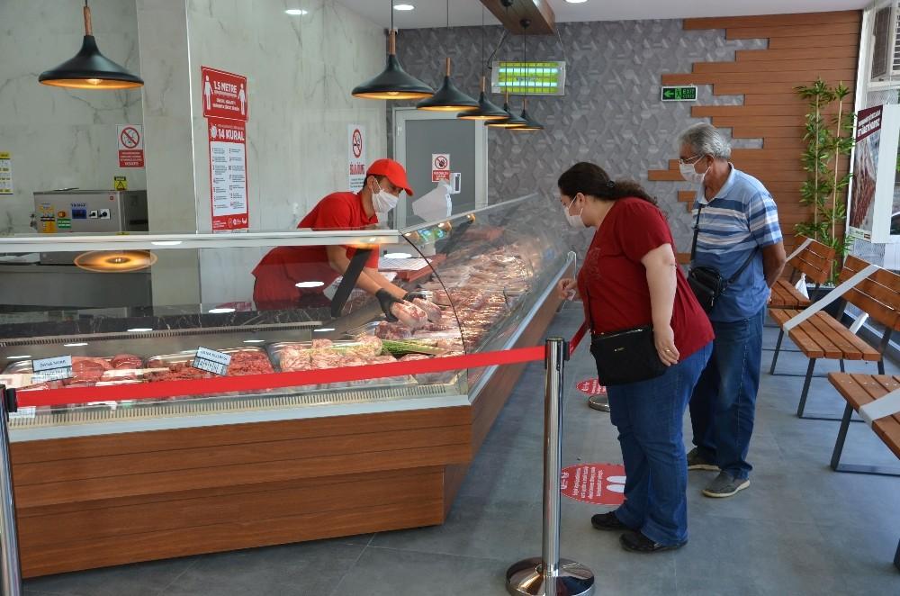 Alanya Halk Et Mağazası'nda bir ayda 12 bin kilogram et satıldı