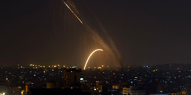 Alçak muamele sonrası İsrail'i vurdular! Sığınaklar açıldı