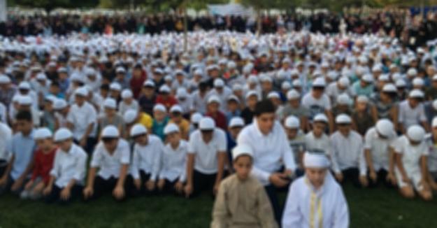 Alçaklıkta yarışan Odatv'yi kudurtan etkinlik! Çocuklara namaz sevdiren Müslümanları terörist ilan etti