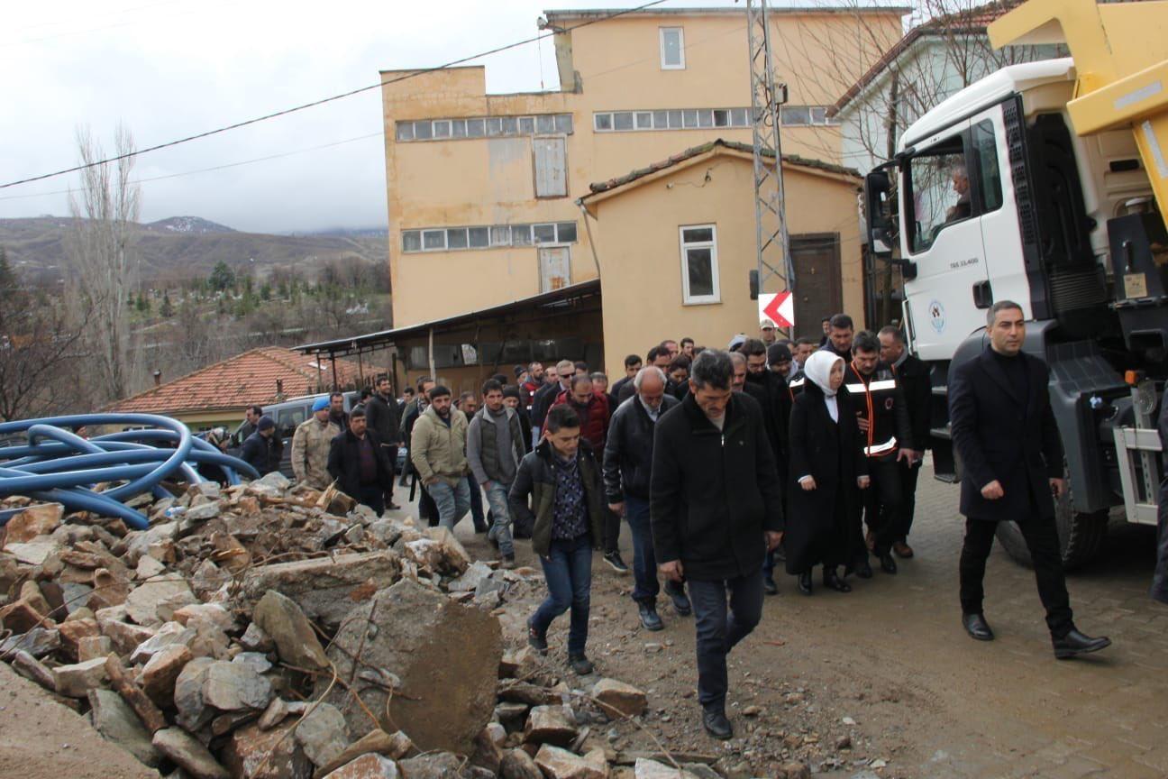 'Alevi depremzedelere yardım edilmiyor' iddiasına yalanlama