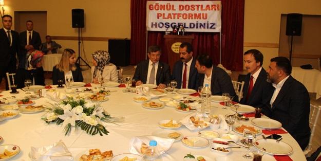 Ali Babacan ile Ahmet Davutoğlu'na en sert tepki vatandaştan geldi