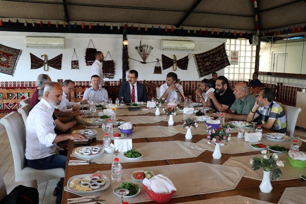 Ali İhsan Yavuz'dan CHP'li belediyelerde yapılan atamalara ilişkin açıklama