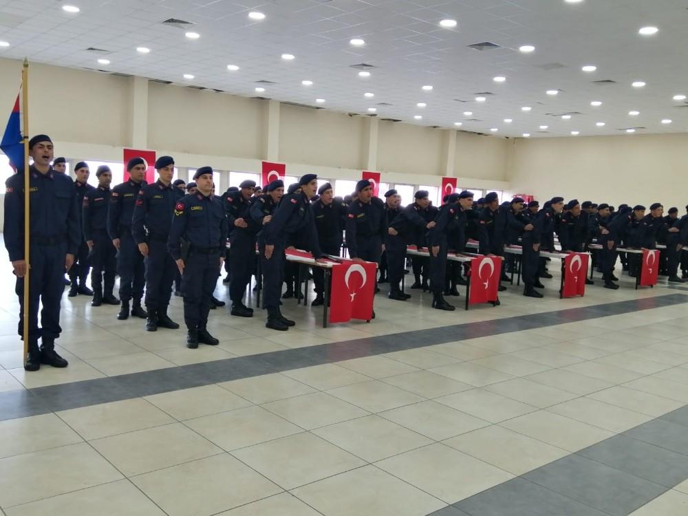 Aliağa'da kısa dönem askerlerin yemin töreni heyecanı