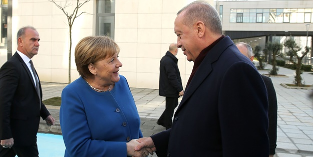 Alman Bild Gazetesi Merkel'e böyle seslendi: Erdoğansız olmaz