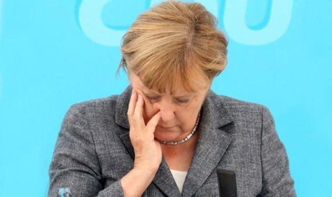 Almanların yarısı Angela Merkel'i istemiyor