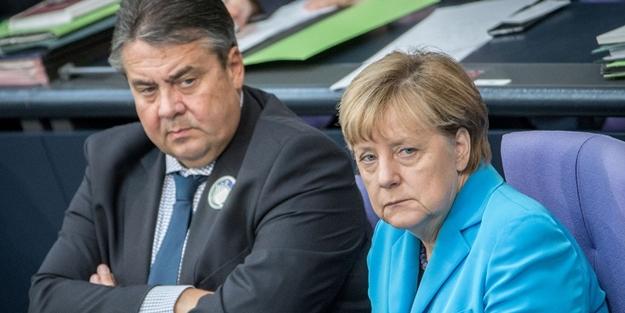 Almanya ağzındaki baklayı çıkardı: Darbecileri vermeyeceğiz!