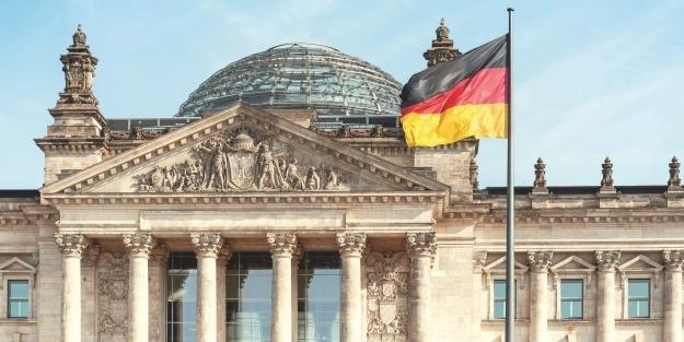 Almanya yeni uyandı: FETÖ organize bir örgüt!