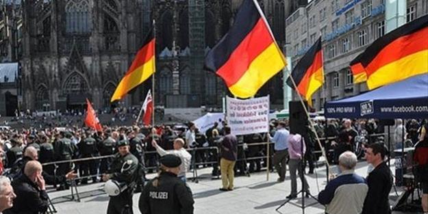 Avrupa ülkesinde korkutan rakam! Müslümanların çocuklarını hedef alıyorlar
