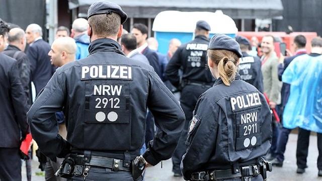 Almanya'da sığınmacı kadınlara alçak saldırı