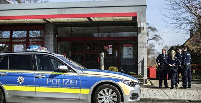 Almanya'da silahlı banka soygunu