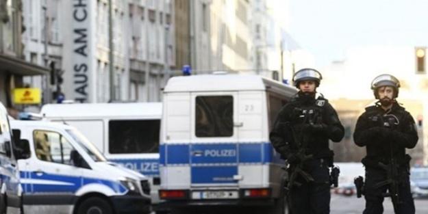 Almanya'da Türk spor kulübüne ırkçı saldırı