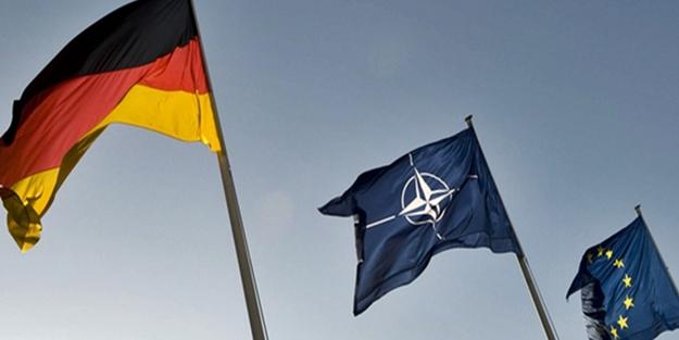 Almanya'dan Macron'a cevap: NATO'ya muhtacız