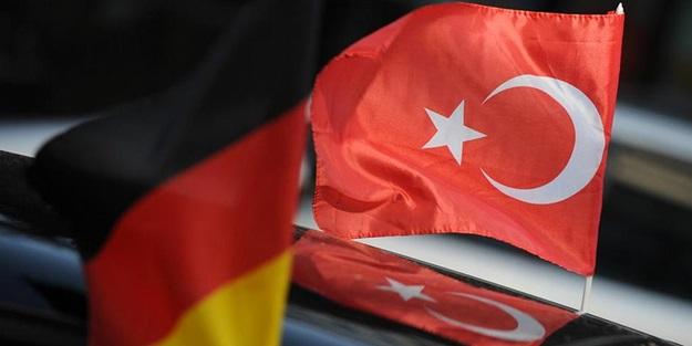 Almanya'dan Türkiye'ye küstah 'Afrin' çağrısı!
