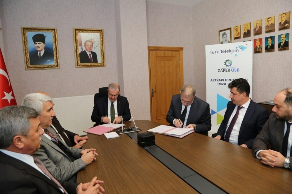 Altıntaş Zafer OSB ile Türk Telekom arasında iş birliği protokolü
