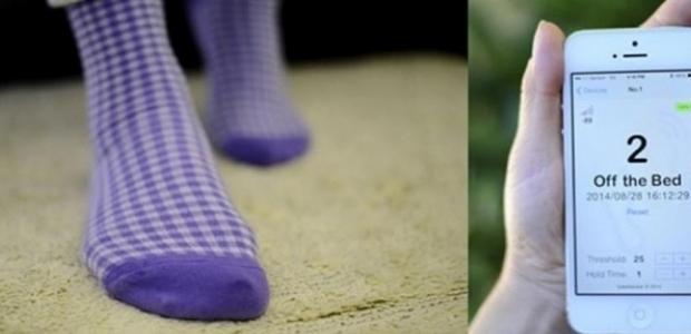Evden kaçan büyükbabası için alarmlı çorap üretti