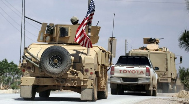 Amerika, Deyrizor'da Suriye mevzilerini bombaladı