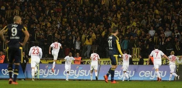 Fenerbahçe Antalya'da dağıldı