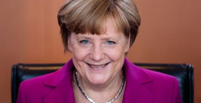 Angela Merkel'den çifte vatandaşlığa destek