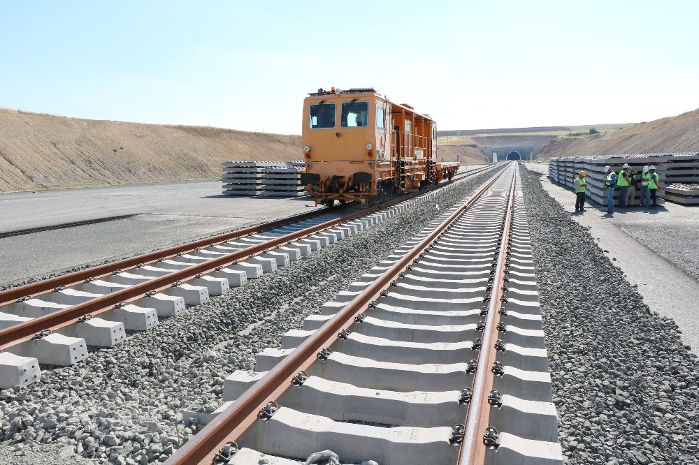 Ankara-Sivas YHT Projesi 2020'de tamamlanacak