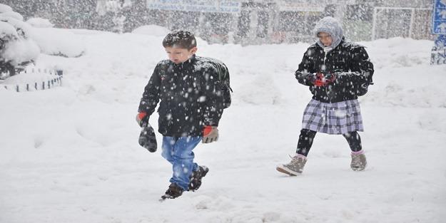 Ankara'da eğitime kar engeli!
