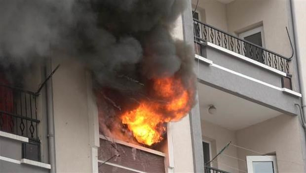 Ankara'da korkutan yangın: 11 kişi...