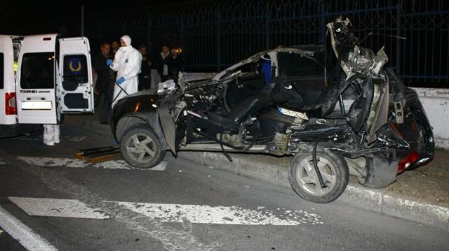 Ankara'da otomobil refüje çarptı: 1 ölü
