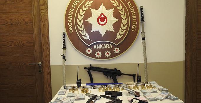 ANKARA'DA SUÇ ÖRGÜTLERİNE OPERASYON: 2'Sİ POLİS 28 KİŞİ GÖZALTINA ALINDI