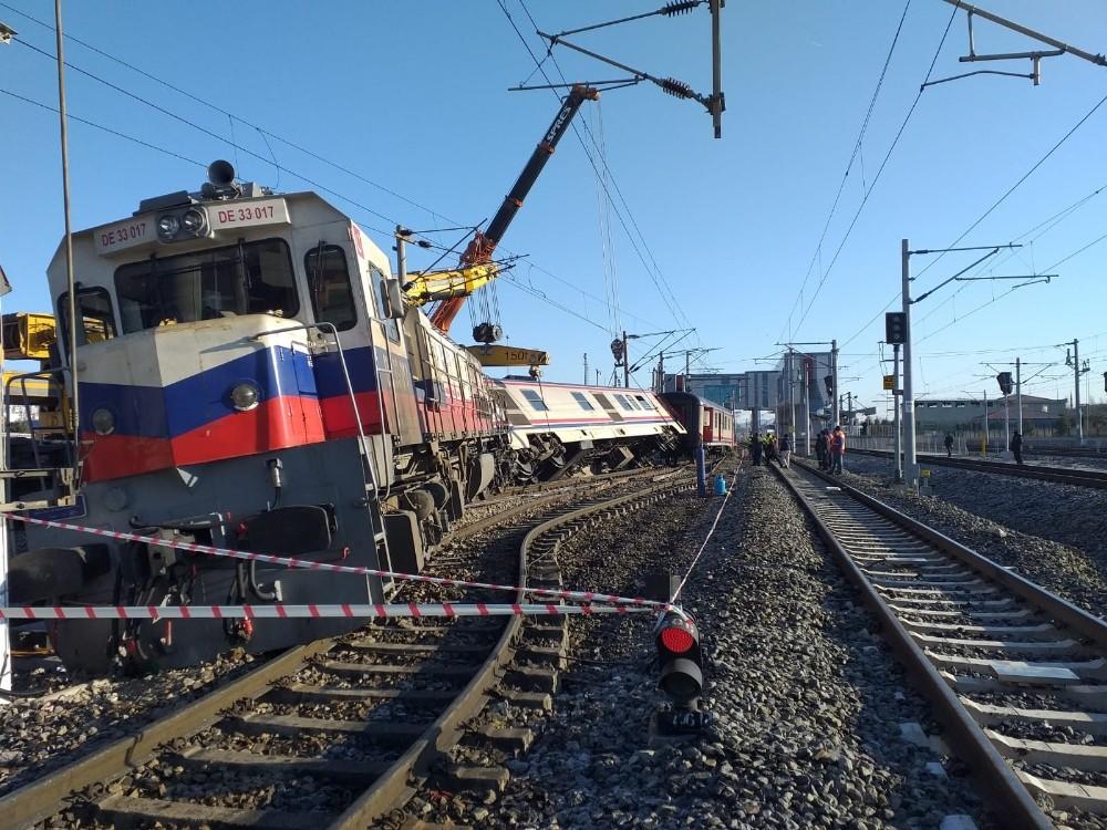 Ankara'da yolcu treni raydan çıktı