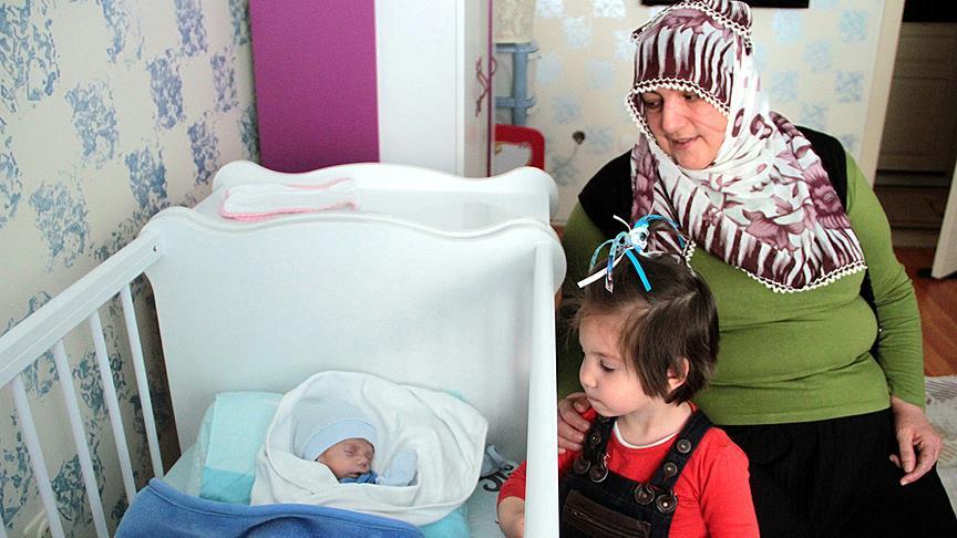 Annesi kendisine süt götürürken ölen bebek taburcu...