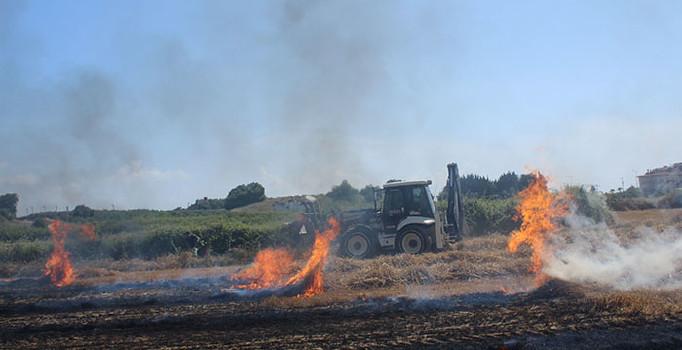Antalya'da anız yangını paniğe neden oldu