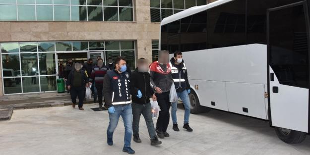 Antalya'da aranan 37 kişi yakalandı