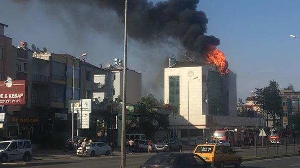 Antalya'da korkutan yangın