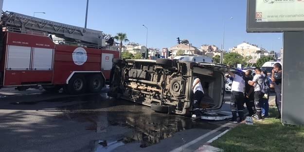 Antalya'da trafik kazası: Yaralılar var