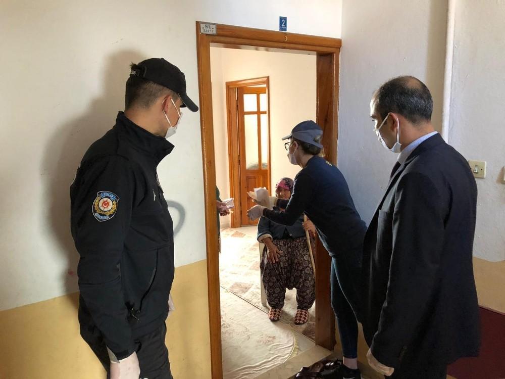 Antalya'nın 19 ilçesine EKİP yardımı yapılıyor