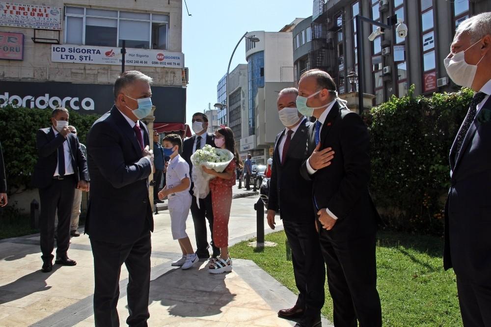 Antalya'nın yeni valisi Ersin Yazıcı göreve başladı
