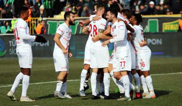 Antalyaspor 11 hafta sonra kazandı!
