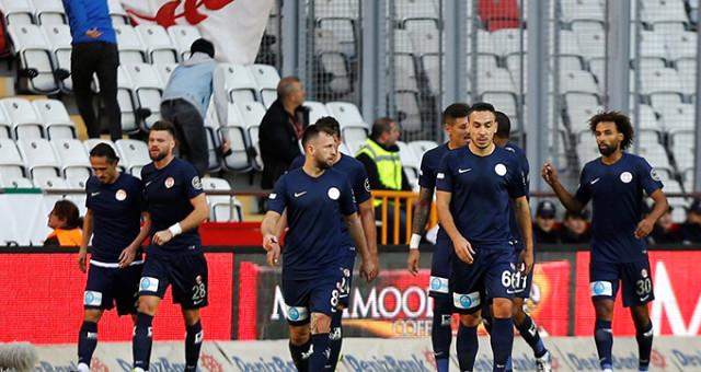 Antalyaspor, Göztepe'yi Serdar Özkan'la geçti